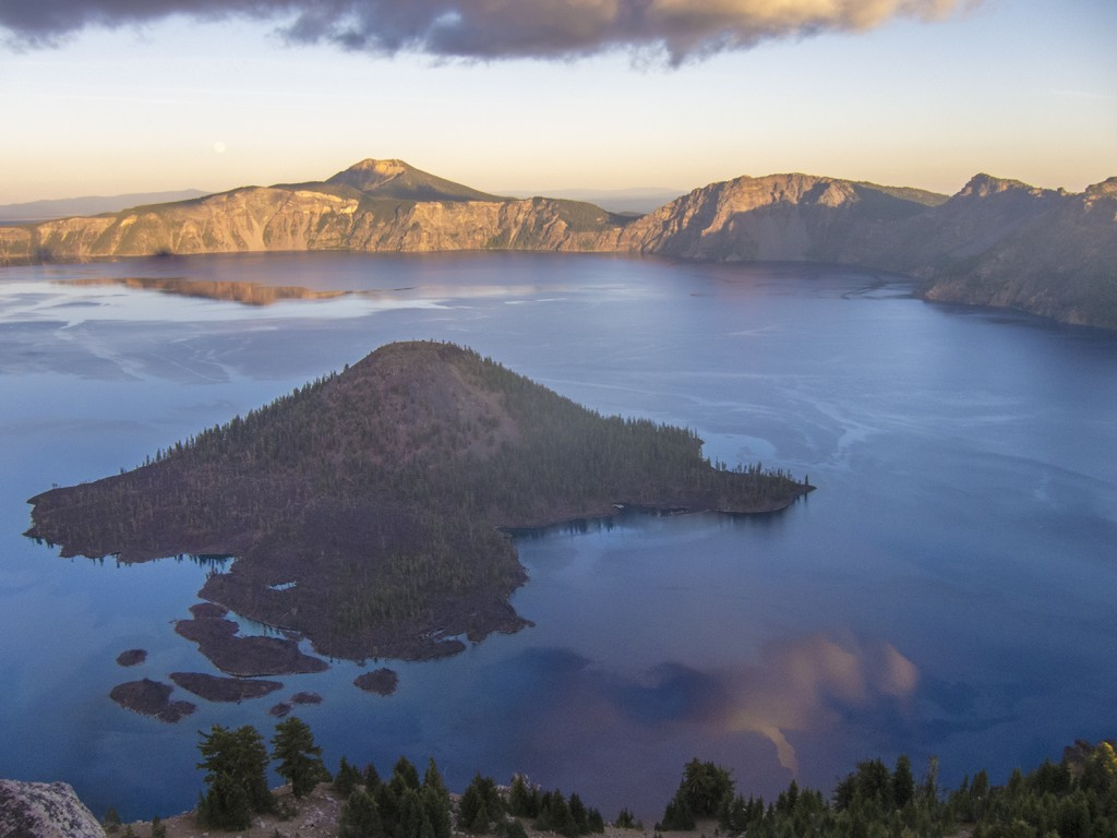 I enjoyed my final sunset at Crater Lake along with about twelve other couples.